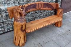 Дубовые скамейки