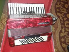 Ich verkaufe ein weltmeister stella akkordeon im jahr 1973