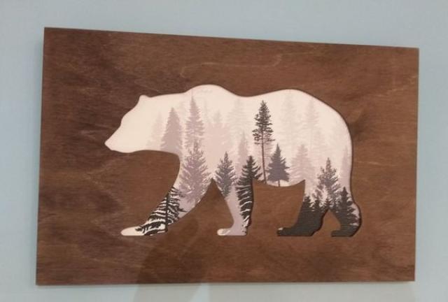 Деревяное пано медведь