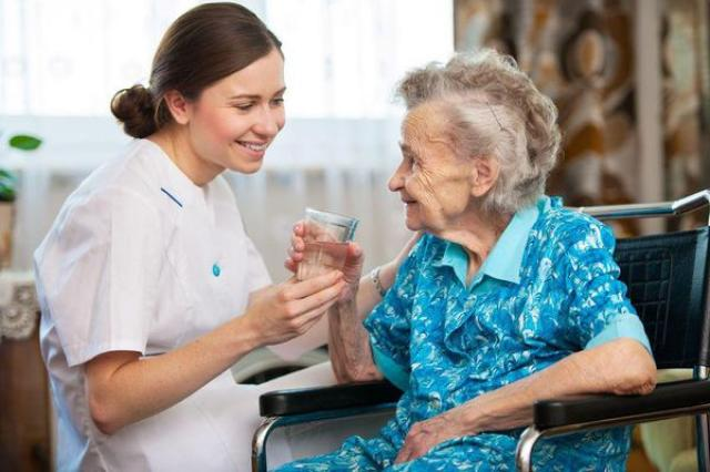 Ищем сиделку для немецкоговорящей бабушки