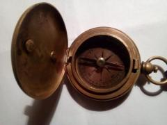 Продаю компас трофейный