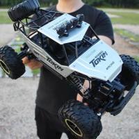 Машинка-вездеход на радиоуправлении rock crawler