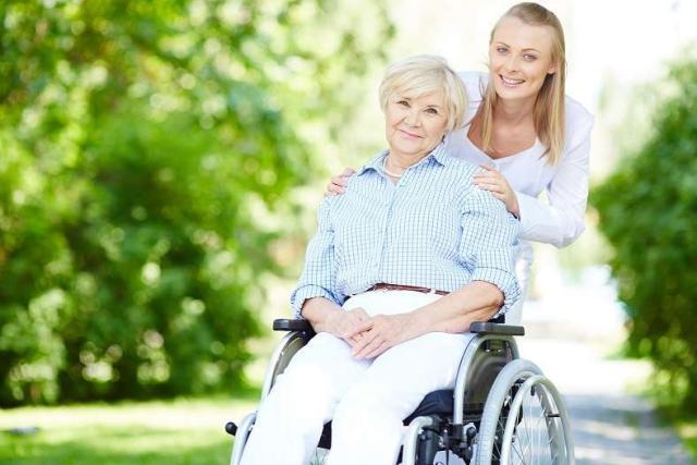 требуются сиделки для для пожилых людей в Германии