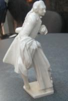 Продам антикварную немецкую фарфоровую статуэтку
