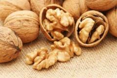 Exports walnut kernels from Ukraine
