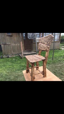 Стол ручной работы с оригинальными стульями