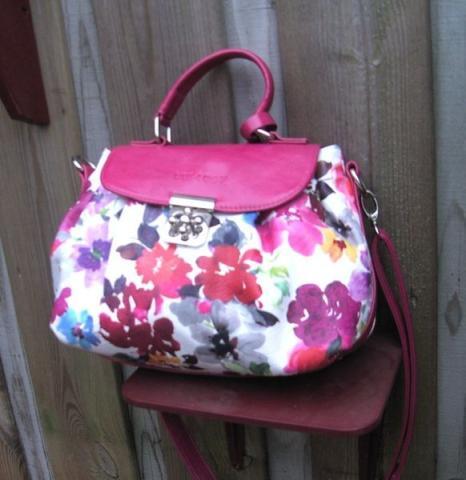 Эксклюзив от bulaggi,красивая летняя плечевая сумка,новая